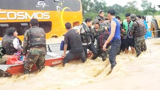 玻利维亚暴雨引发多条河流决口 十余座城市被淹