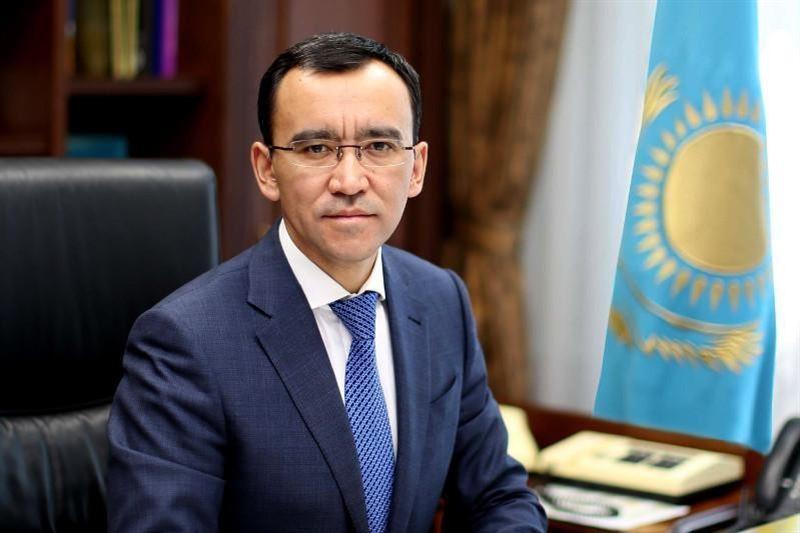 哈萨克斯坦议长阿希姆巴耶夫感染新冠病毒