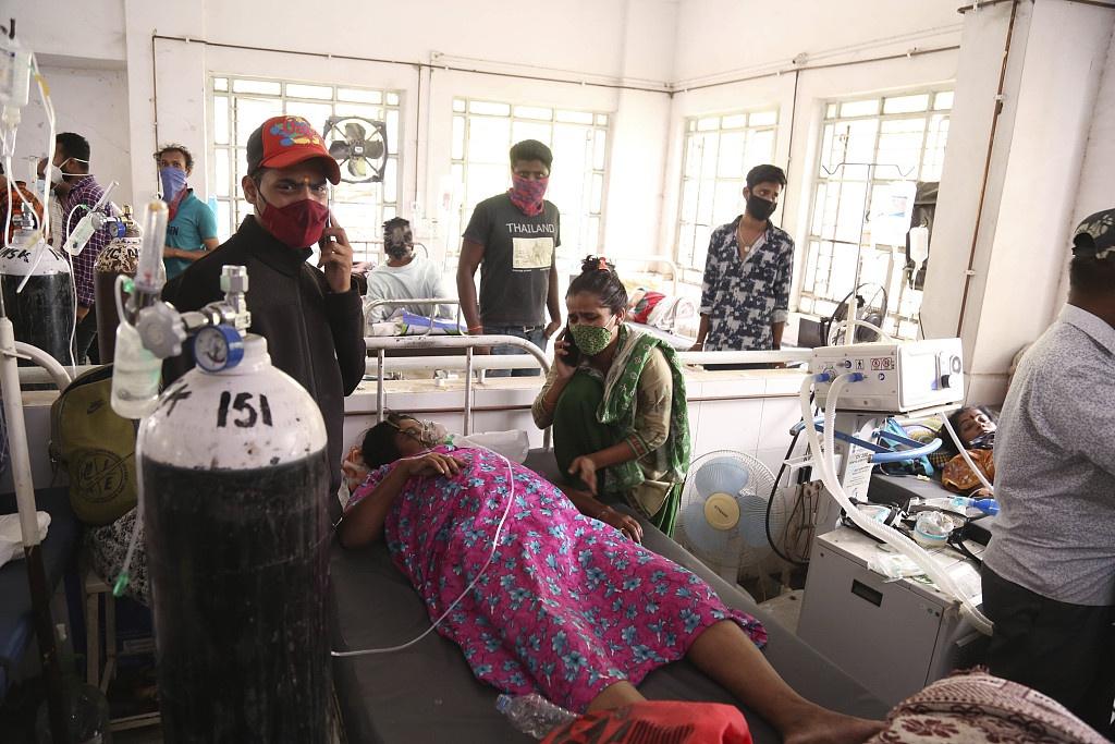 印度确诊罪犯从医院8楼逃跑时摔死 曾因教唆自杀被捕
