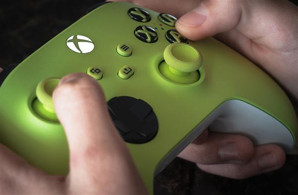 """459元!微软国行""""电光黄""""Xbox无线手柄预售:5月开卖"""