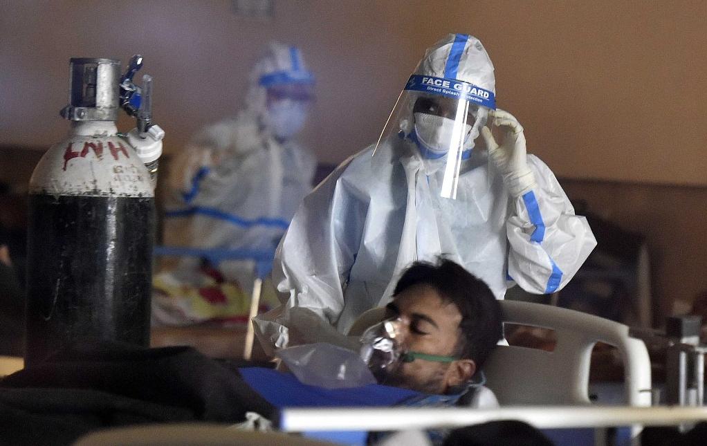 印度医生因防疫不力被警方拘留 妻子称他上任仅4天