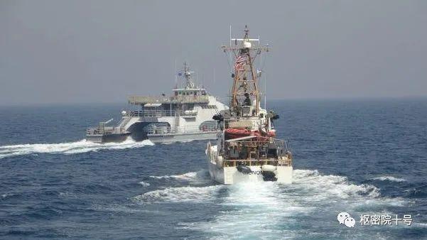 美伊冲突意外曝光伊朗神秘双体船