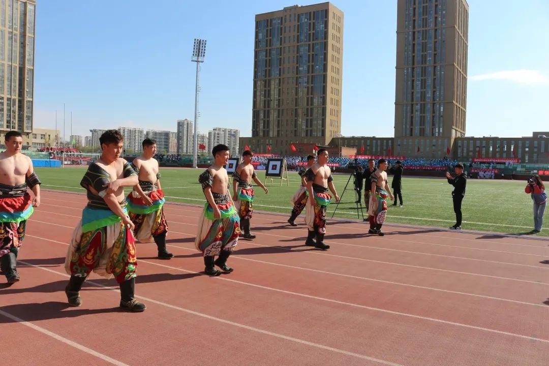 青春拥抱梦想,拼搏成就辉煌 | 内蒙古大学第四十六届春季田径运动会开幕式