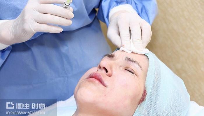 首个给鼻背鼻根用的玻尿酸来了 几大医美巨头还瞄准这里