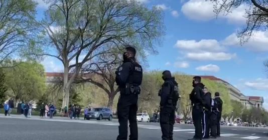 美国遇袭身亡的国会警察和犯罪嫌疑人身份得到确认