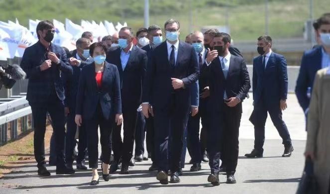 塞尔维亚总统出席中国企业承建的贝尔格莱德绕城公路B4标段通车仪式