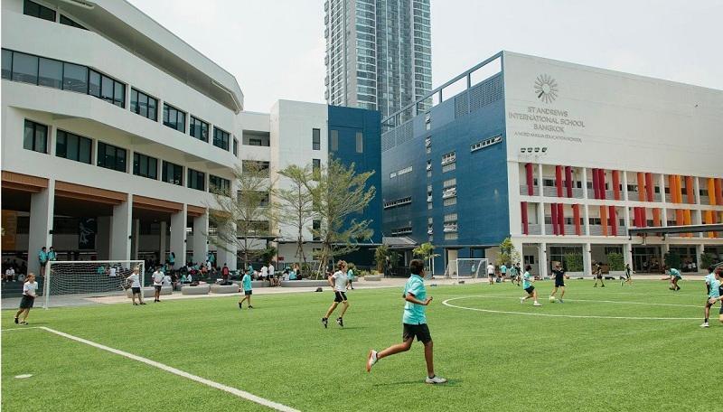 泰国娱乐场所疫情暴发 多所国际学校停课