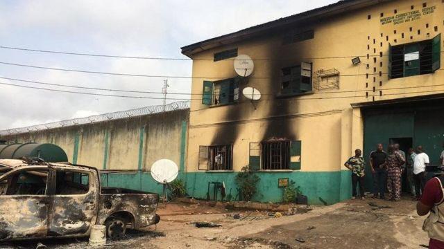 尼日利亚一监狱遭袭击 导致1844名囚犯逃脱