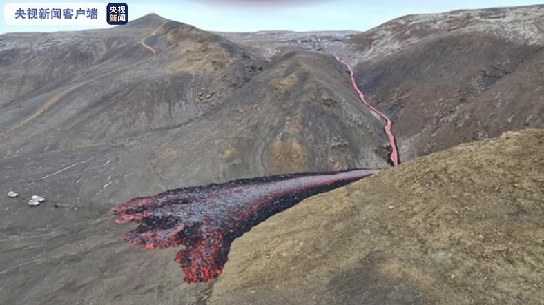 冰岛格尔丁达鲁尔火山出现两个新的火山喷发裂缝