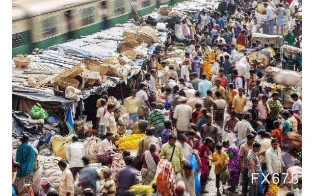 一天新增12万,疫苗库存耗尽!印度局势急剧恶化,GDP被下调