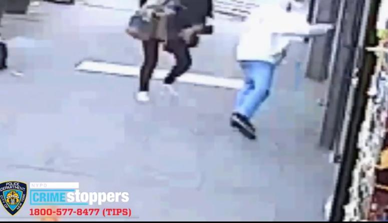 亚裔女子在美当街遭人狠扯头发 嫌犯拖行一阵才松手