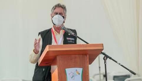 秘鲁总统萨加斯蒂向疫情中失去亲友的民众致歉