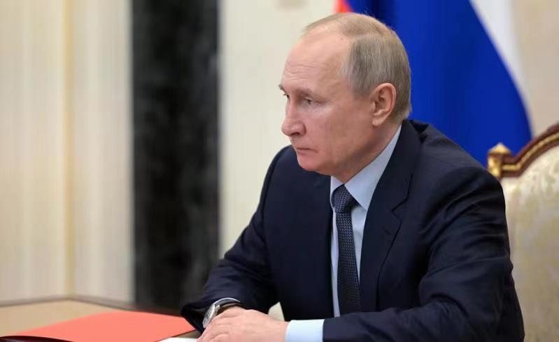 普京就规范传播外国代理人媒体信息签署法令
