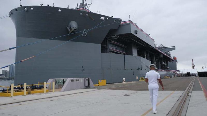"""美军一艘9万吨巨舰服役,美军高官公然鼓吹:可派往南海,对抗""""中国威胁"""""""