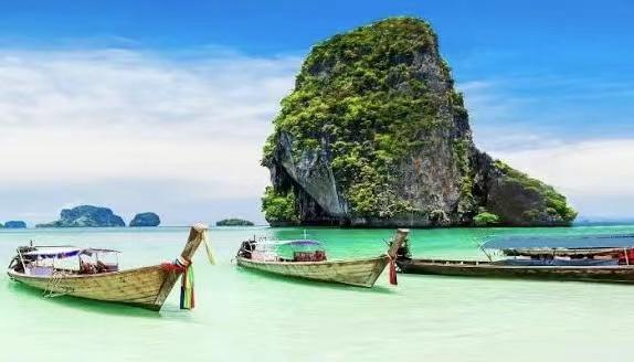 受第三轮新冠疫情蔓延影响 泰国普吉岛可能延期向国际游客开放