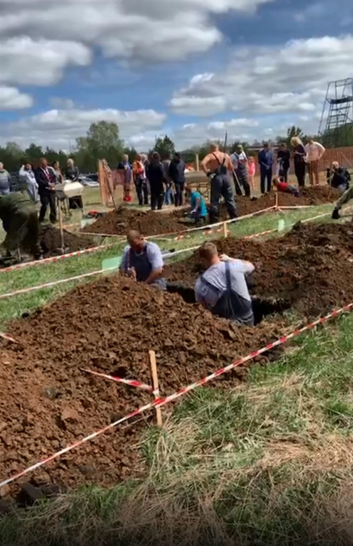 俄罗斯办挖坟竞速赛:坟坑要深过1米6 还需整洁(图)