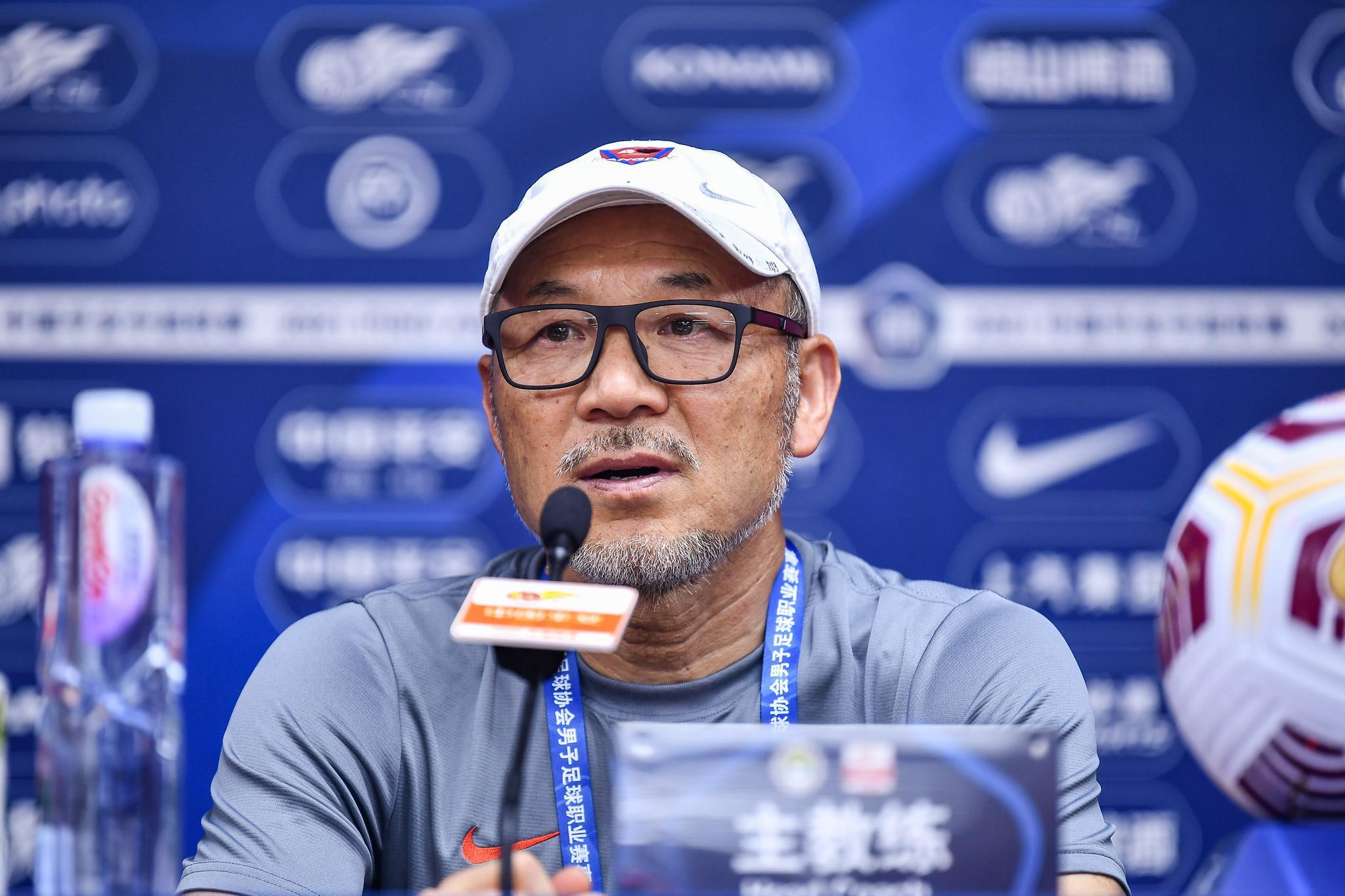 张外龙:重庆队员是伟大的球员,对此我感到幸福