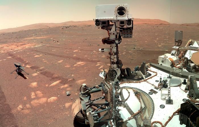 """NASA终于让""""毅力号""""展开双臂并做了一些工作"""