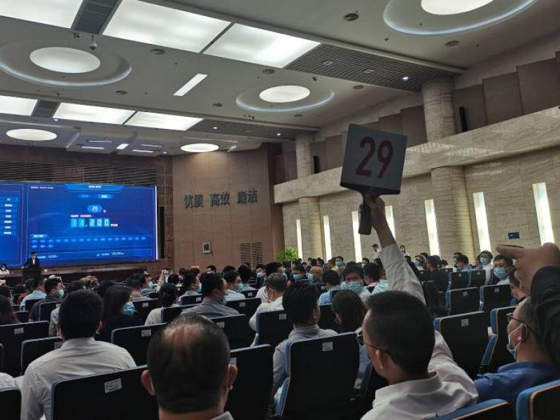 深圳首拍六宗地有三幅溢价率超40% 厦门首拍楼面价较去年暴增7成