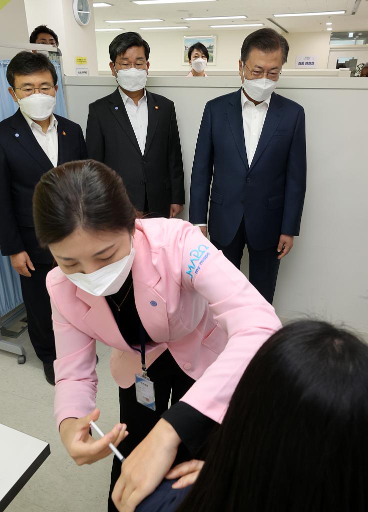 韩国政府:打新冠疫苗后进ICU 最多补偿5.7万人民币