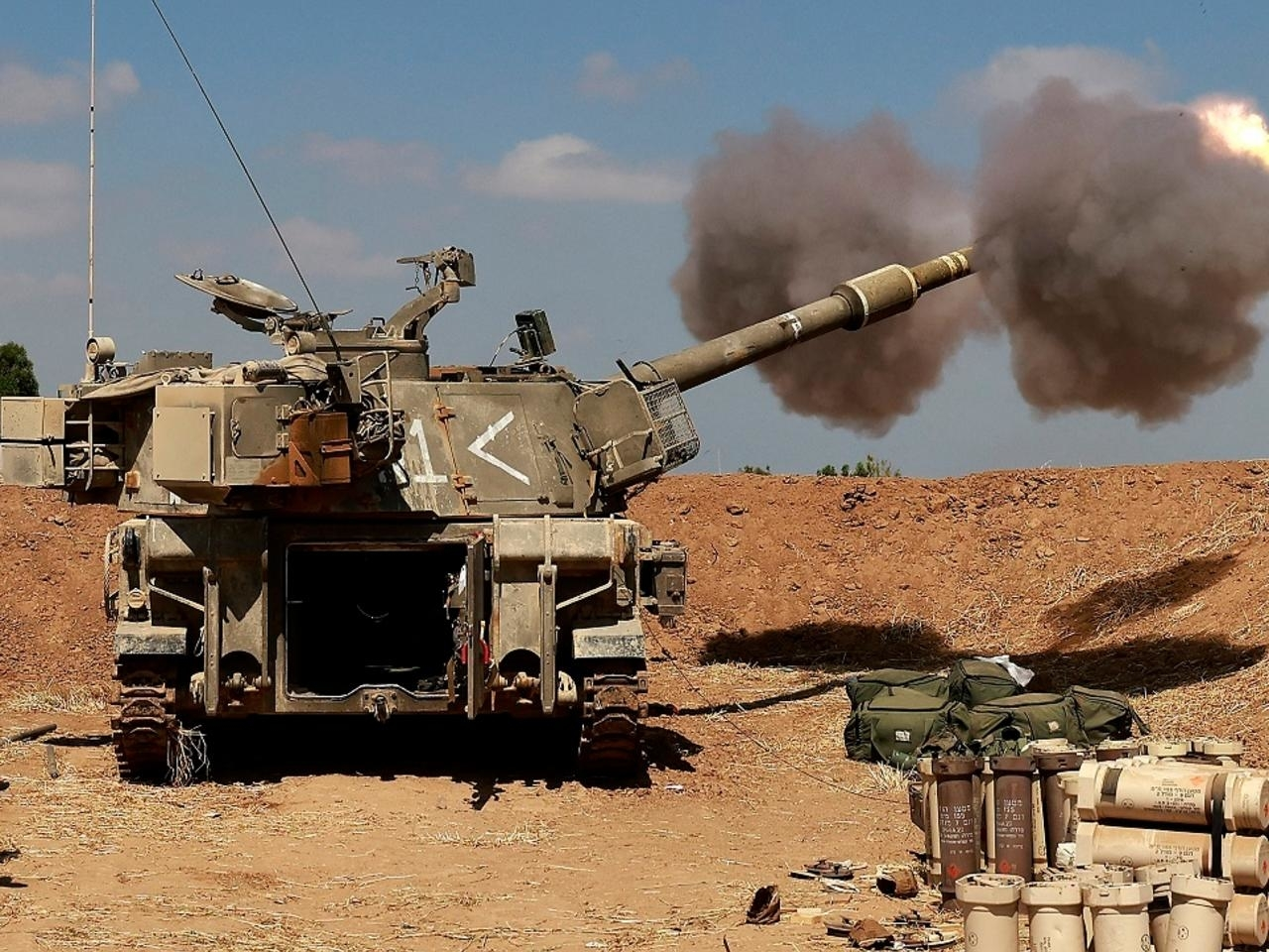 回应火箭弹袭击 以色列国防军向黎巴嫩境内开炮