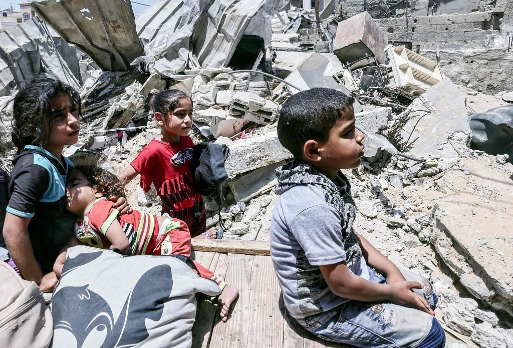 加沙50所学校遭炮火轰炸 4万多名儿童无学可上