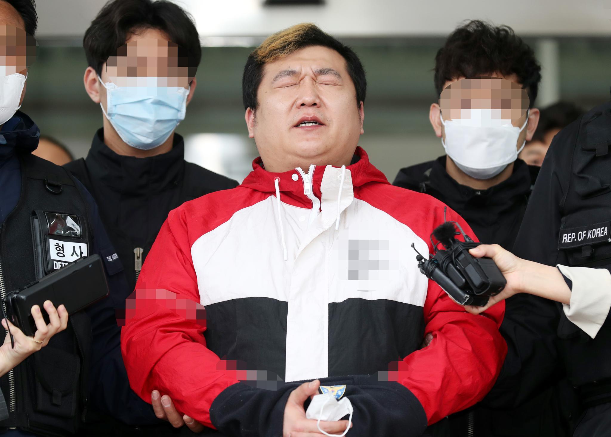 韩国黑帮出身老板杀死顾客后分尸 被抓后鞠躬:我错了