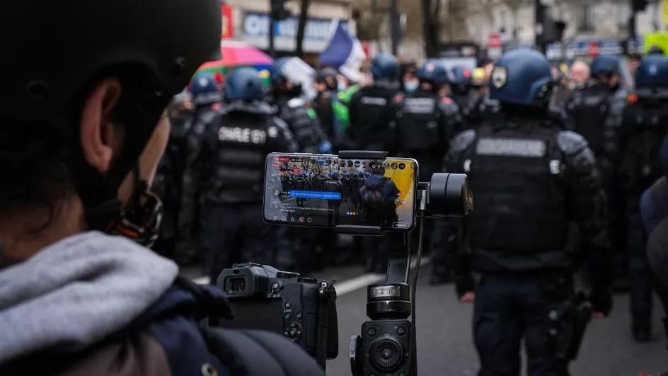 法国《整体安全法》争议条款被判违宪
