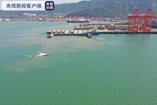 连云港港首次进靠LNG可移动罐柜船舶