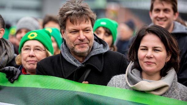 民调支持率第一 德国绿党迎来新党员申请热潮