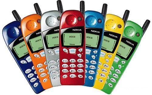 「乱点科技树」的手机厂商,在后盖上都研究出啥来了?