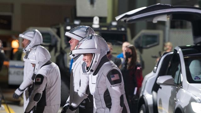 """星舰告别""""四连炸""""首次成功软着陆,马斯克离火星又近了"""