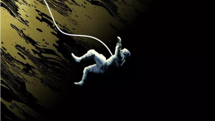 《火星救援》 作者新作讲述与世隔绝和外星生物威胁地球的故事