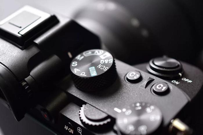 报道称索尼已放弃数码单反产品线 重心转移至无反相机新品