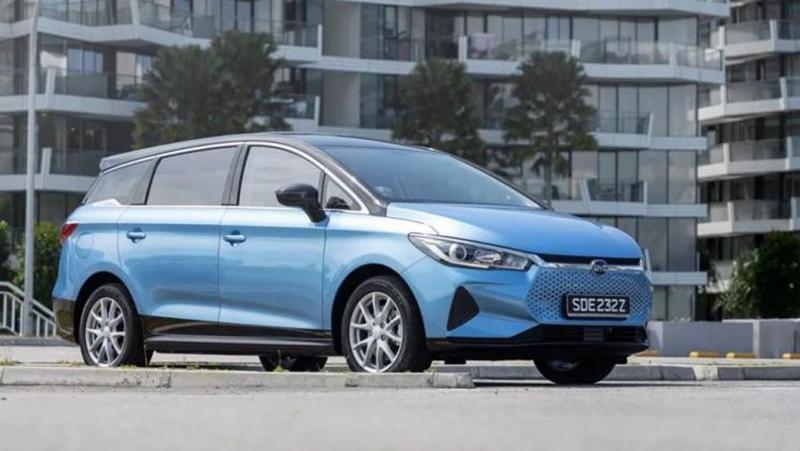 522km成当地续航最长电动车 比亚迪e6推出新加坡版车型