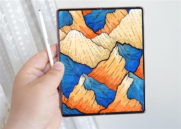曝三星Galaxy Z Fold 3入网:支持25W快充