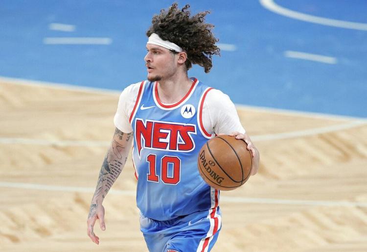 NBA官推祝篮网后卫泰勒-约翰逊29岁生日快乐
