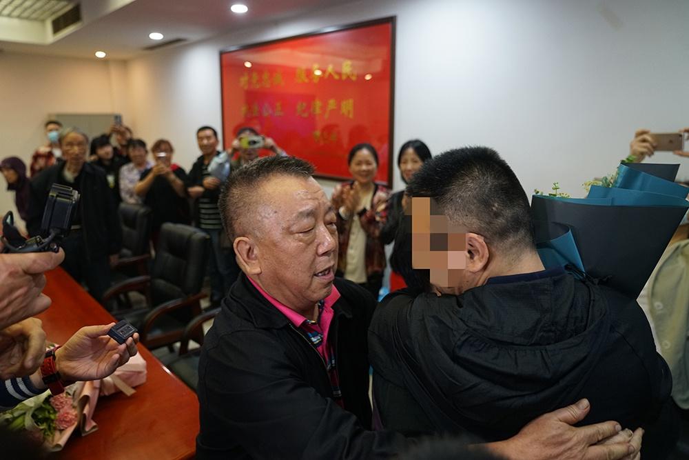 重庆一男孩4岁时走失被带至山东,34年后终于找到亲生父母
