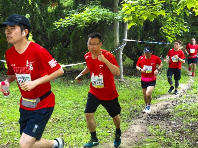 """母亲节里的森林越野赛遇上嘉年华,体育生态消费叠加扩大了""""朋友圈"""""""