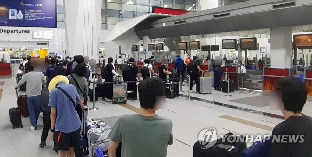 韩媒:164名在印韩企员工乘撤侨航班回国