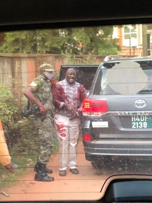 外媒:乌干达交通部长遭遇暗杀 其女儿和司机身亡