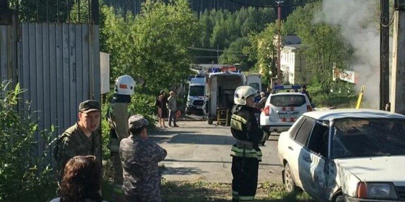 俄罗斯一辆大巴车撞向车站 造成6死15伤