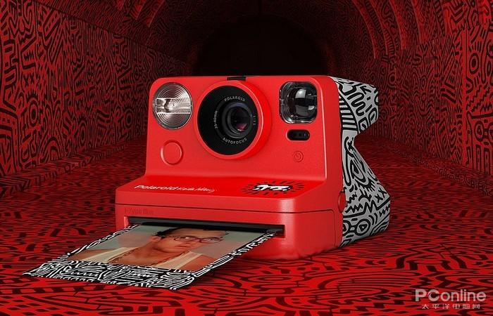 宝丽来推出一款新相机:超强烈的艺术感!