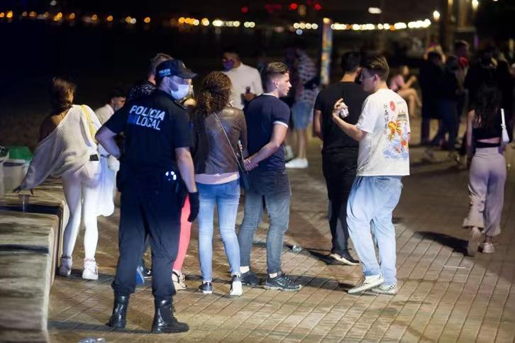 西班牙发生大规模集中感染 超2000人受影响