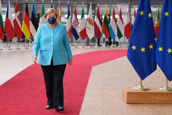 """英媒文章:默克尔在欧盟成""""跛脚鸭""""?"""