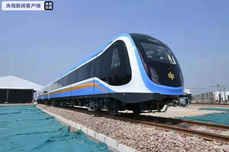 拥有完全自主知识产权!首列中国标准地铁列车在郑州下线