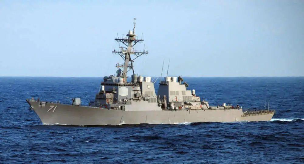 """图为美海军""""罗斯""""号导弹驱逐舰资料图。"""