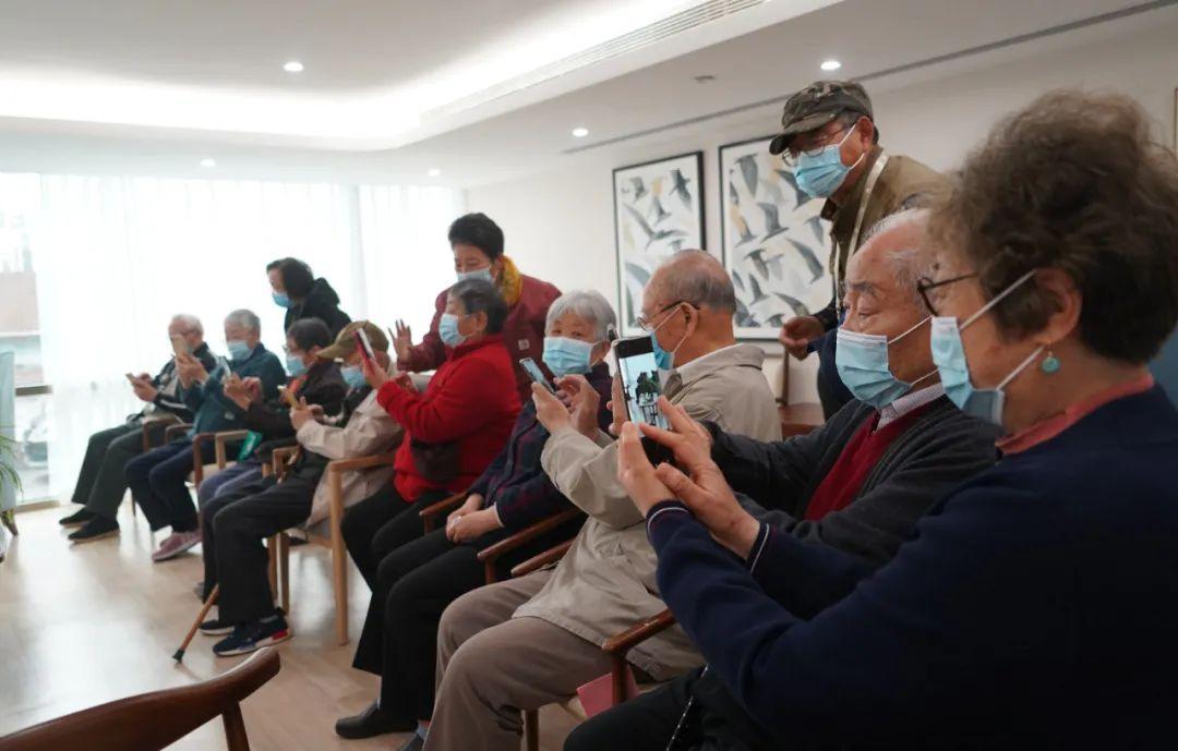 人口达峰与老龄化困扰多国 怎么办?