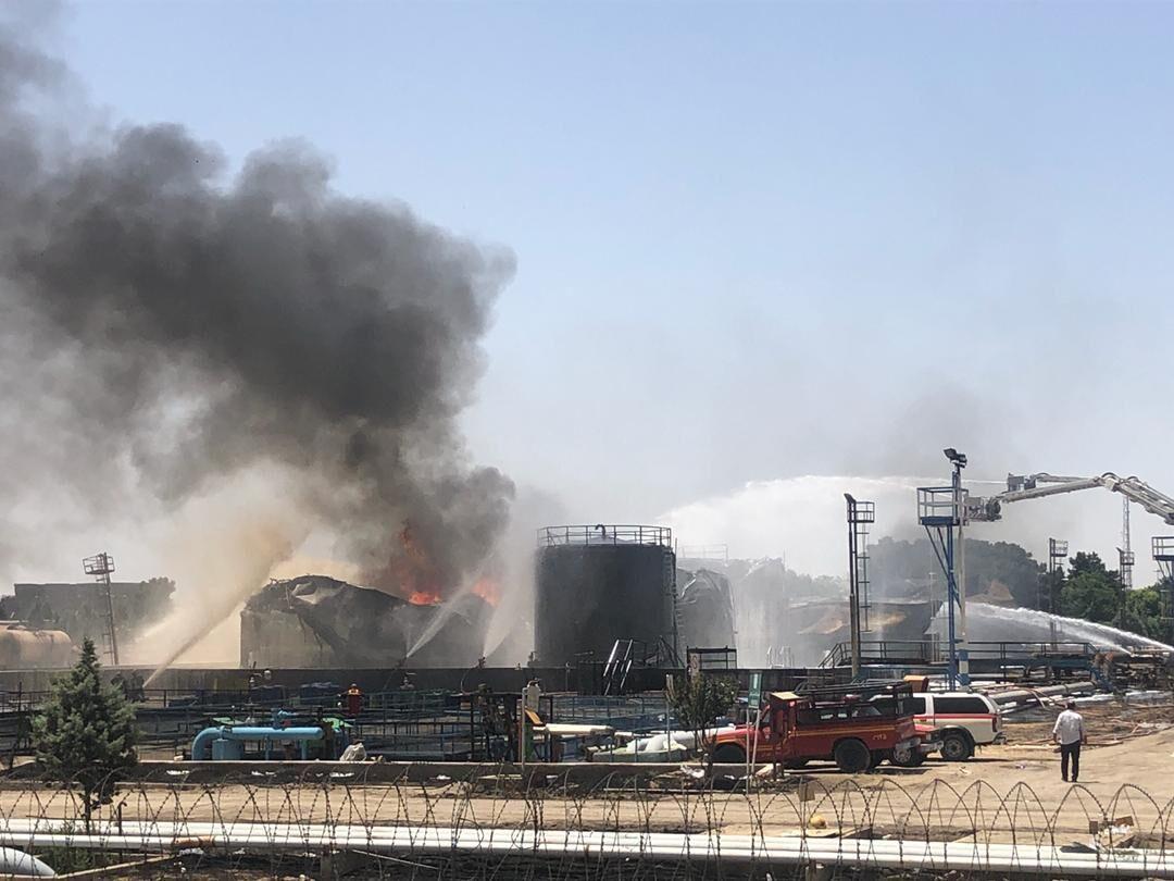 伊朗德黑兰一炼油厂发生火灾 致11人受伤