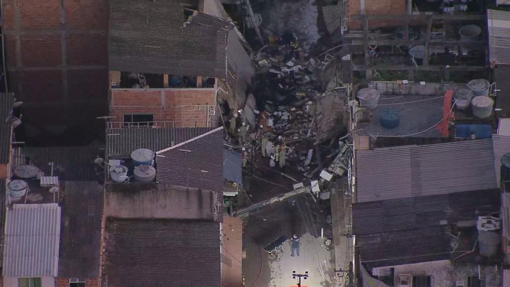 巴西里约一幢4层建筑物倒塌 致3人受伤多人失踪